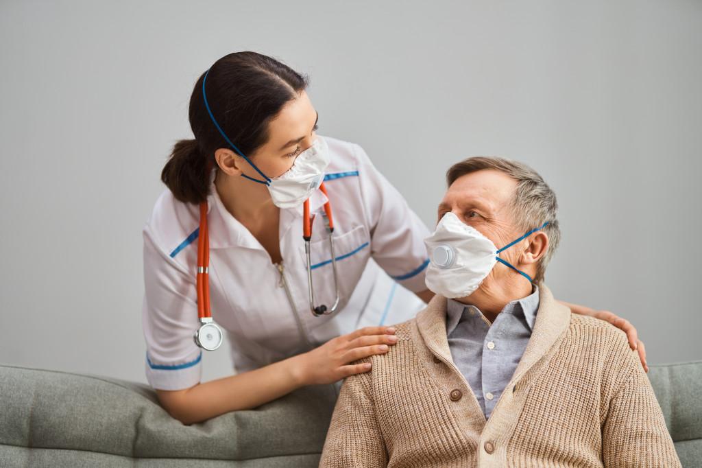 Как подготовиться пожилому человеку к вакцинации от коронавируса