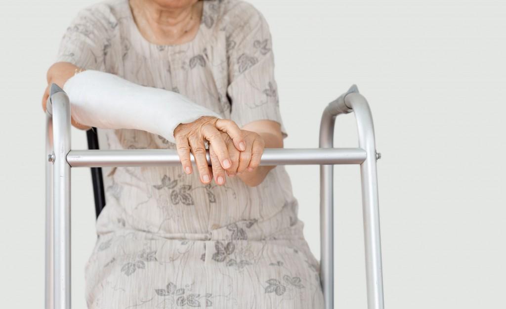 Реабилитация пожилых после травм